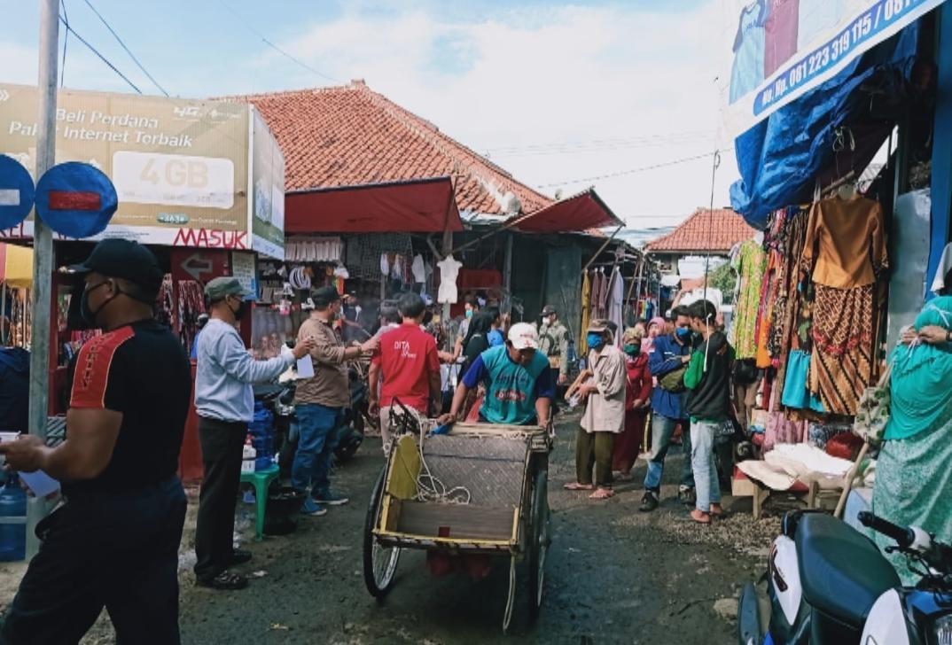 Belanja Pakaian di Pasar Tegal Gubug Cirebon Cocok untuk Dijual Kembali