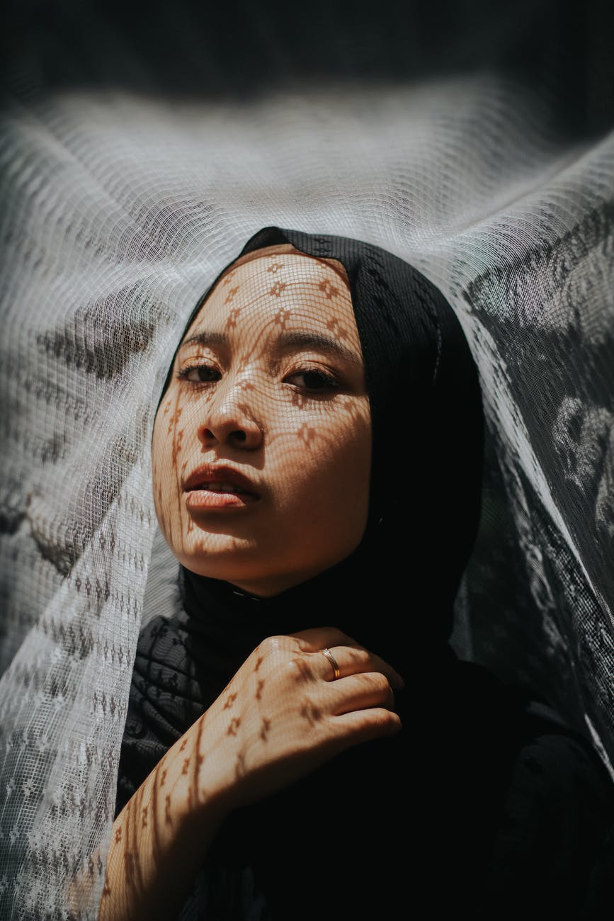 woman wearing black hijab